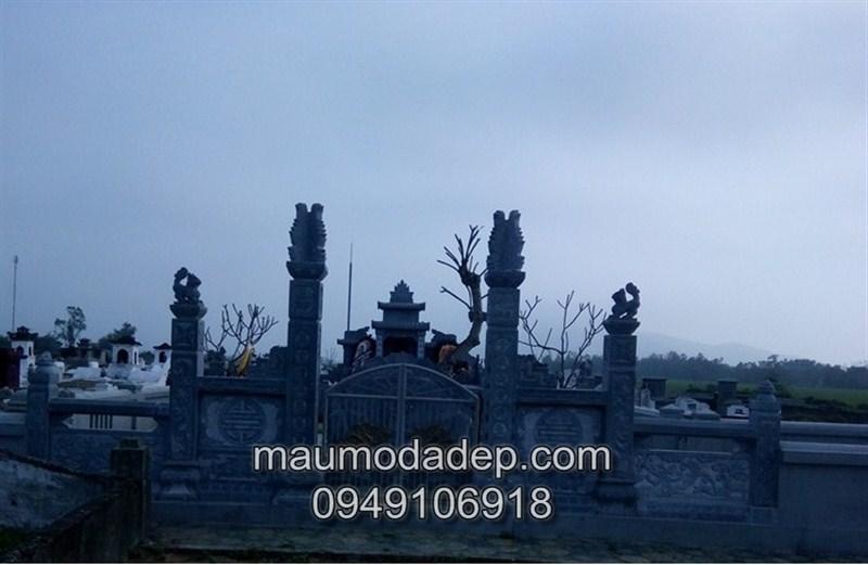 Xây lăng mộ bằng đá xanh khối tại Hà Tĩnh