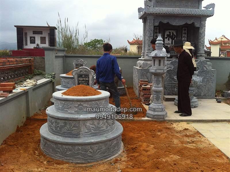 Giá mẫu thiết kế mộ tròn bằng đá xanh