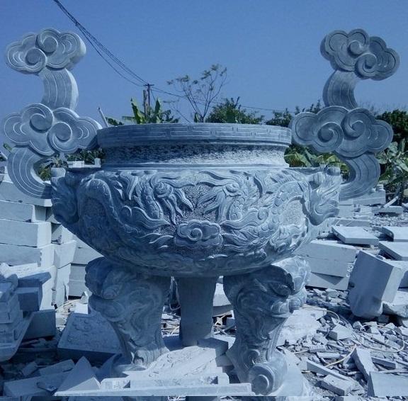 Mẫu lư hương đá xanh đẹp cúng tiến nhà chùa