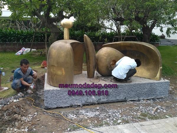 Lắp đặt đế tượng tại Long Biên-Hà Nội