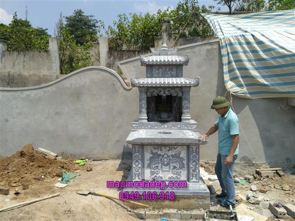 Xây dựng mộ đá ở Hòa Bình