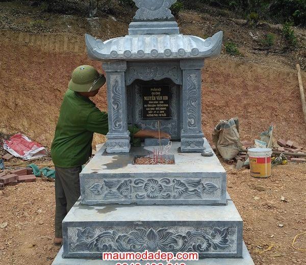 Xây dựng mộ đá ở Lục Nam-Bắc Giang