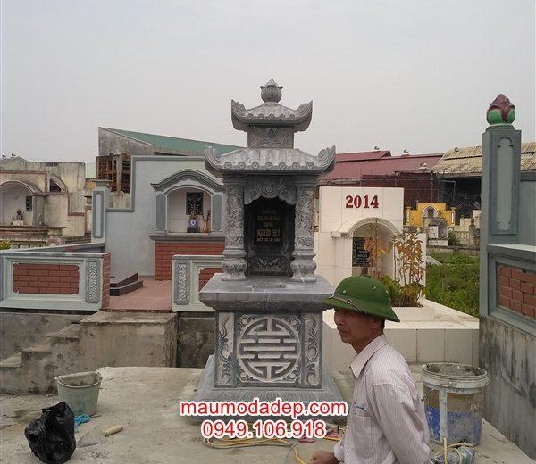Lắp mộ đá hai mái ở Làng Mẹo-Thái Bình