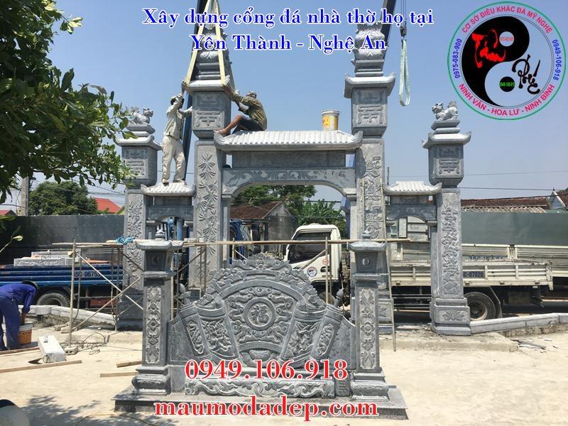 Lắp đặt trụ cổng đá nhà thờ họ